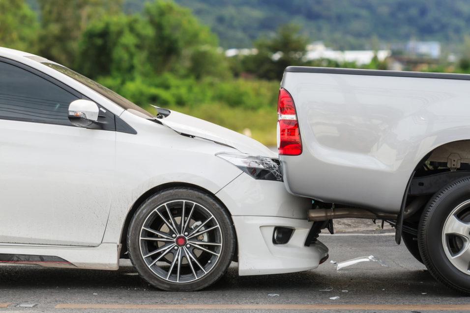 Bil som har kjørt inn i bilen foran