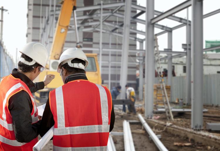 Arbeidere på en byggeplass